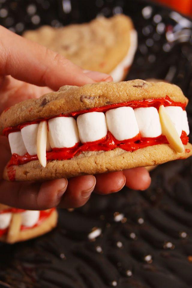 Dracula fogsor halloween süti