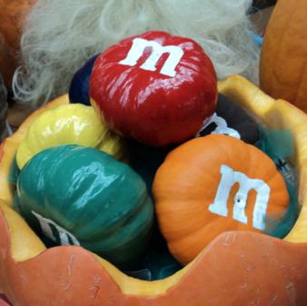 Halloween-i M&Ms golyók